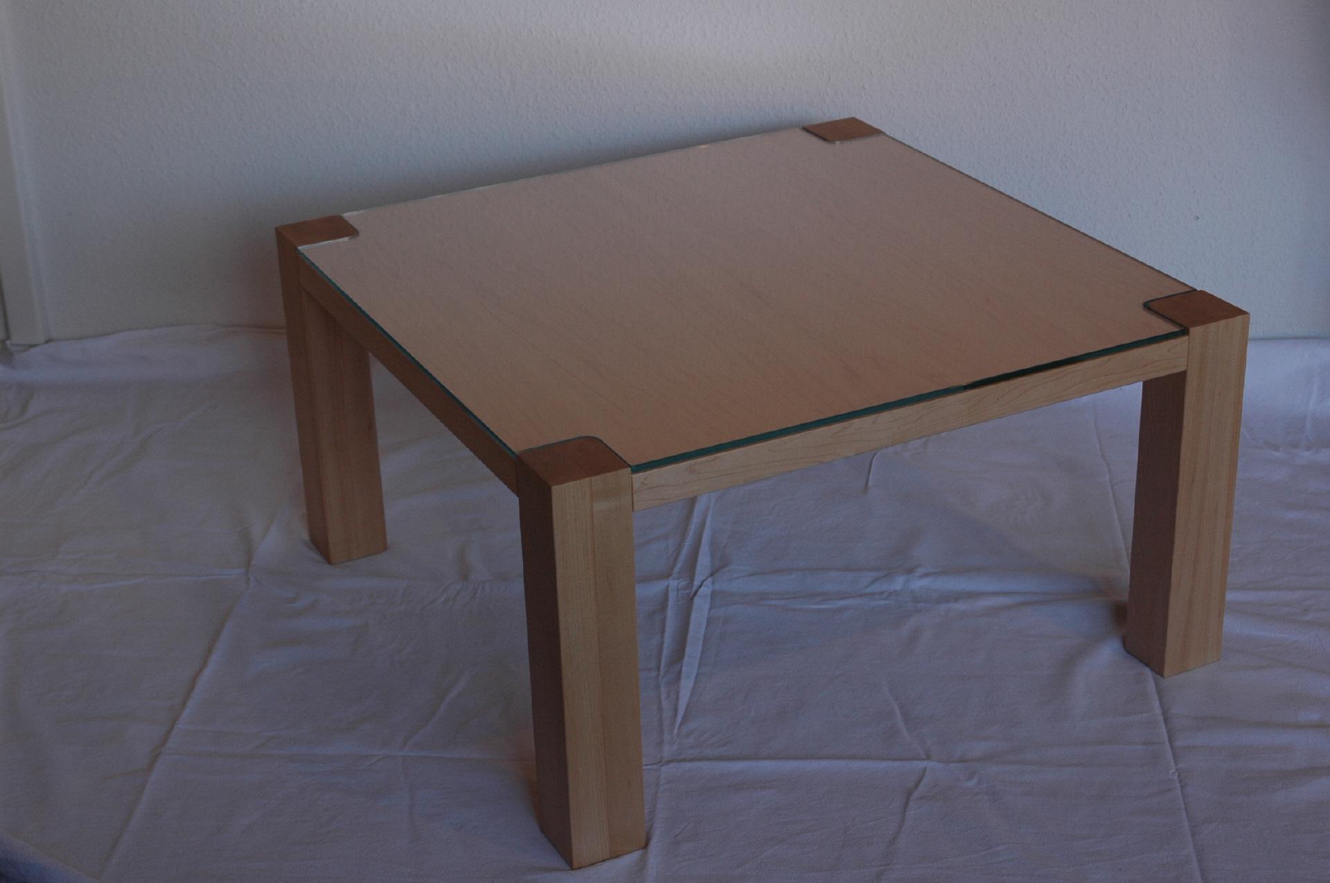 Couchtisch ahorn elegant wohnzimmer couchtisch modelle for Couchtisch ahorn glas